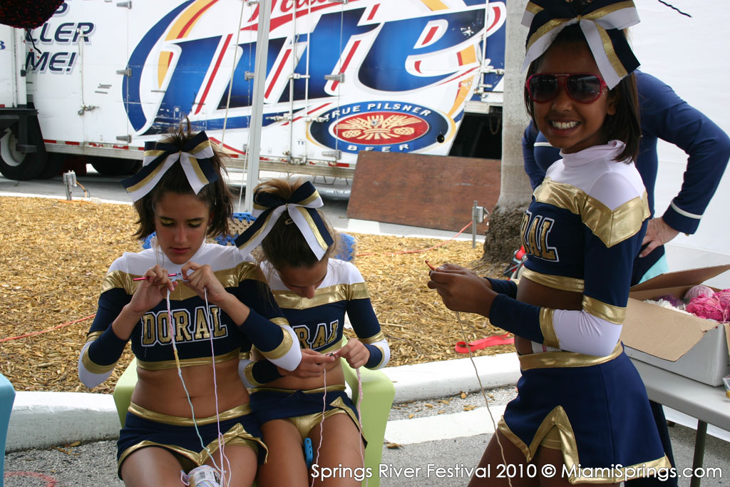 Doral Middle School Cheerleader are knitting?